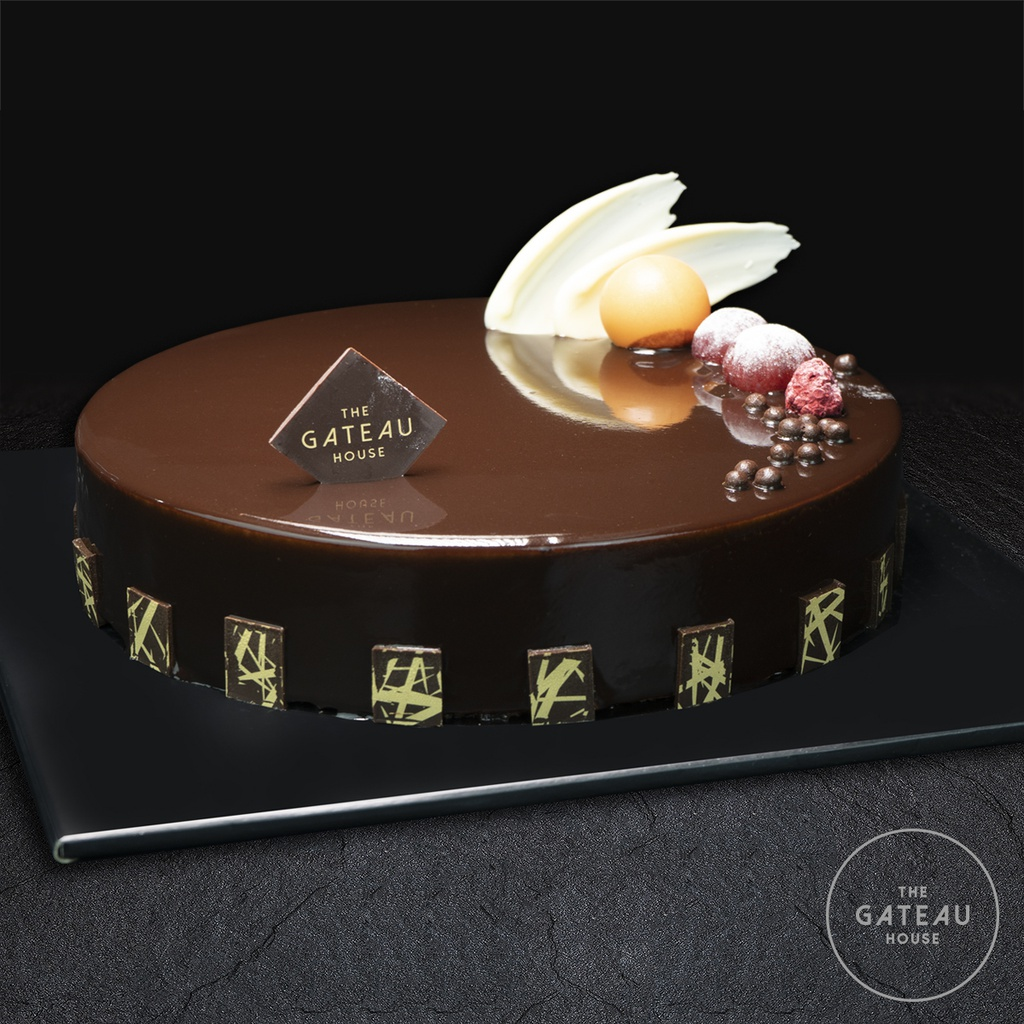 Chocolate Mousse Cake with Glossy Finish & Fruit Decoration(R1)